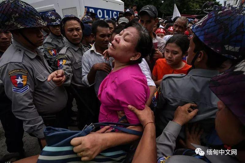 缅甸烈士节昨日举行 民众沉痛悼念昂山将军等先烈