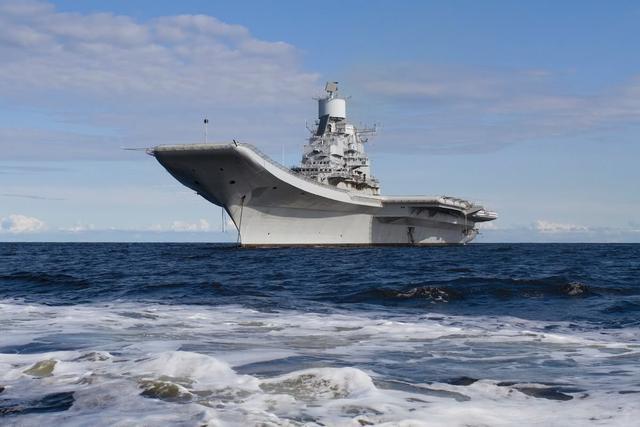 印度海军好高骛远说要第三艘航母 国防部只说2字