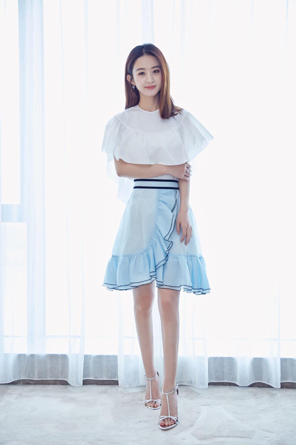 一片式的布料,照样能穿出多种风格,不信?yuki今天带你get新知识点.