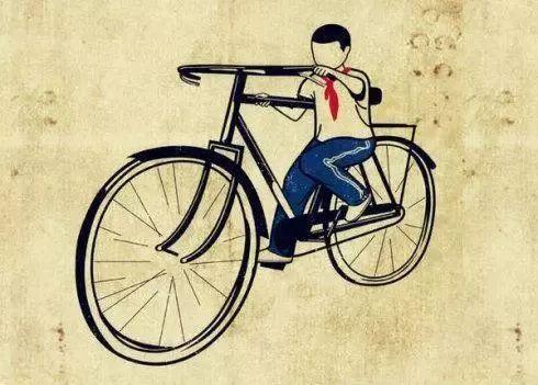 天台一小孩骑自行车追尾汽车!交警赶到时小孩却不见了