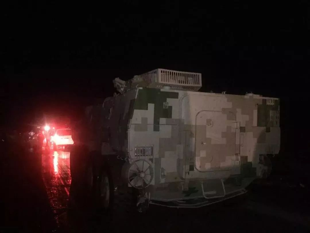 包头遭遇罕见特大洪灾!这时兵工厂冲出一队装甲车…