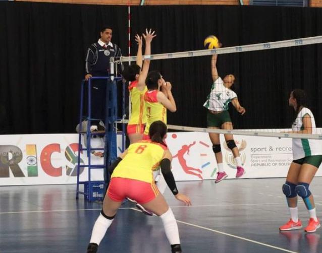 中国国青女排造惨案 东道主3局拿15分比赛见过吗?