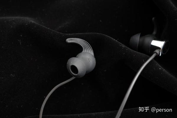 漂亮的高音质蓝牙耳机 脉歌MACAW TX-90评