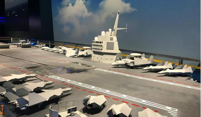 中国第四艘核航母疑似开建 大连船坞内出现航母分段