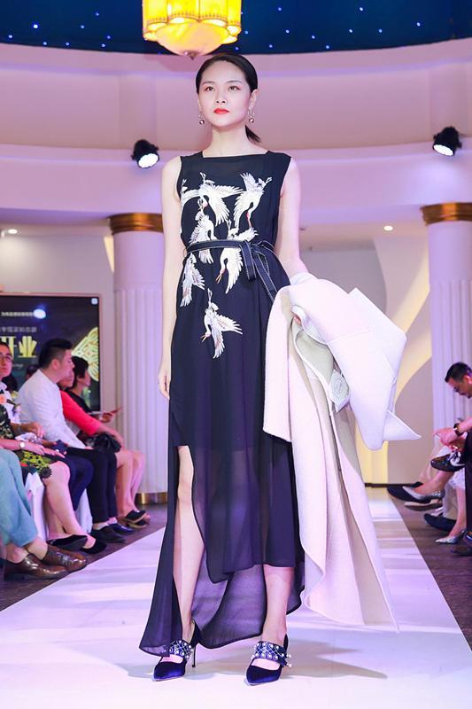 联合设计师品牌走秀发布会美高梅国际娱乐官网子依时尚生活美学馆开业盛典