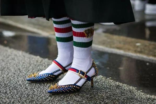 它是世界上最舒服的鞋好穿不累脚一夜之间全世界都在为它打call!