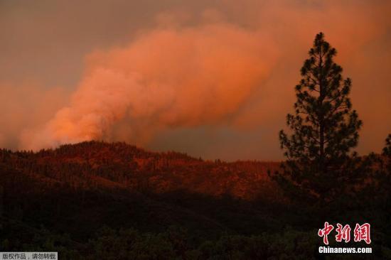 美加州山火威胁旅游胜地 约塞美蒂公园关闭核心景区