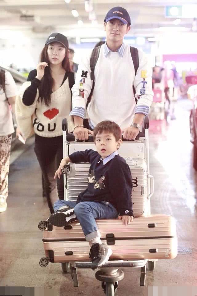 霍思燕回忆恋爱时杜江陪她在剧组待了3个月,像助理一样跟着她