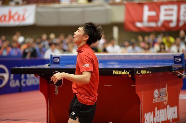 国乒一世界冠军成决胜局之王!连续三场第七局险胜创黑马奇迹