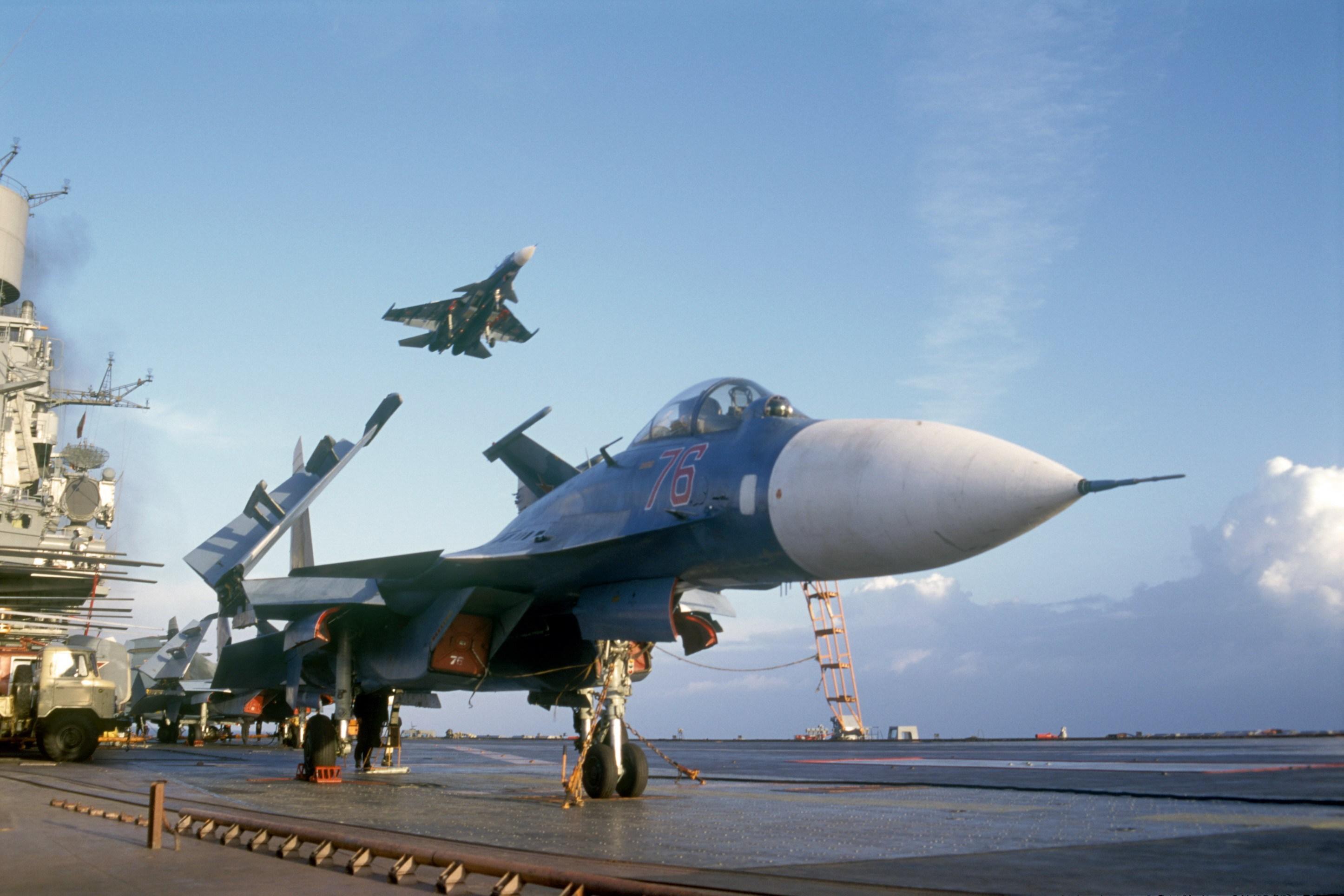 俄罗斯舰载飞行员已没有航母练起降,专家支招快找辽宁舰帮忙
