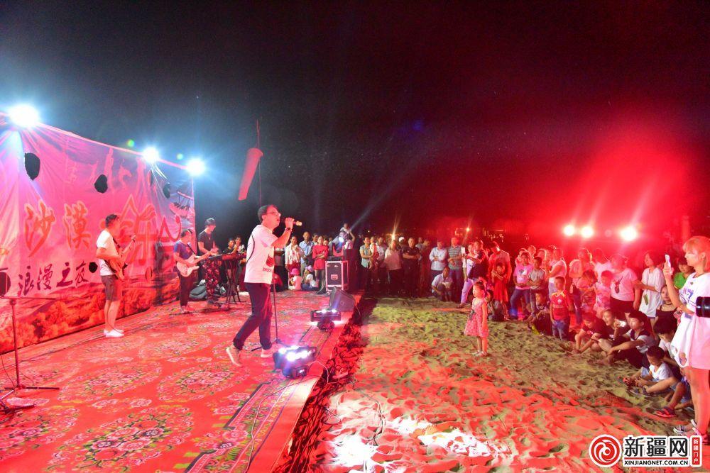 罗布人村寨上演沙漠音乐晚会 尉犁2天旅游收入达27万...