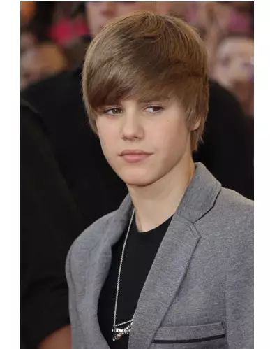贾斯汀比伯最新帅气短发发型,很讨人欢心!图片