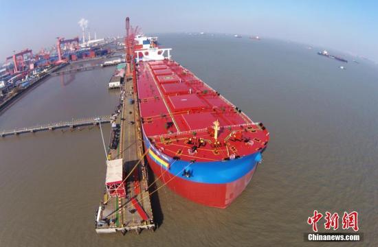资料图:造船。中新社记者 殷立勤 摄