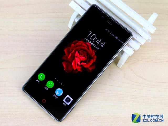 首款屏幕无边框设计 nubia Z9全新发布