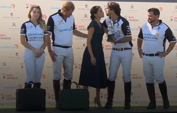 哈里王子马球赛获胜梅根献吻狂撒狗粮 一旁队友颇为尴尬