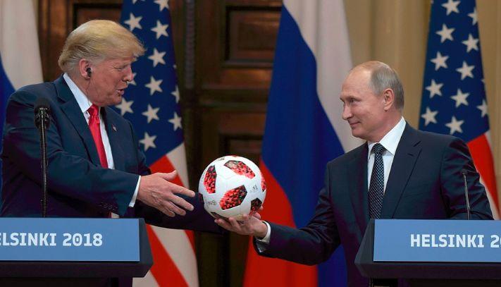 普京送给特朗普的足球真的有芯片 干这事的还是