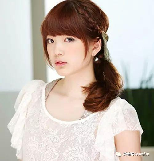 超甜美齐刘海编发发型,尽显头像甜美校服!穿深圳女生气息青春图片