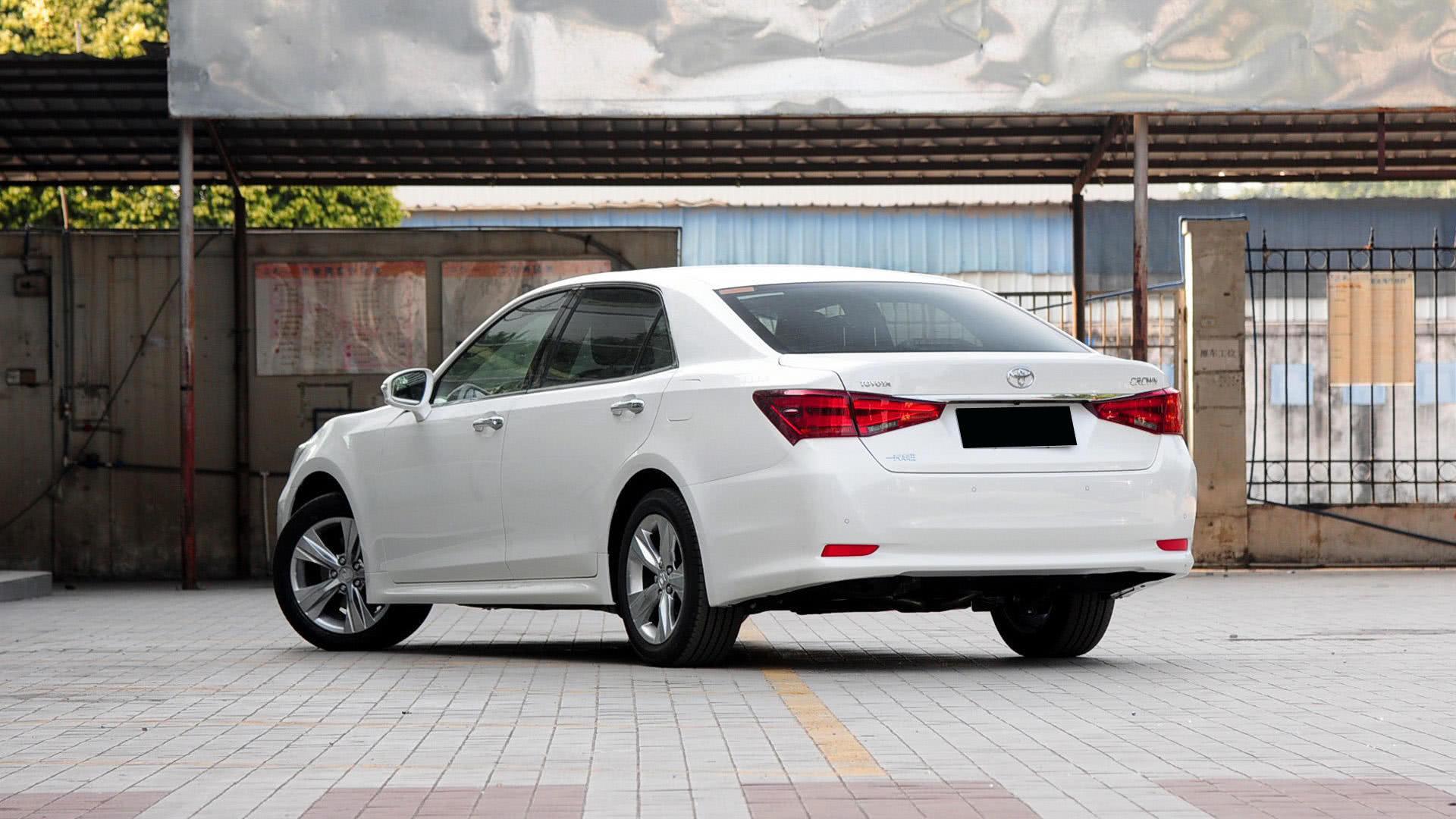 丰田粉哭了锐志大哥也将停产后驱V6五米长仅20万