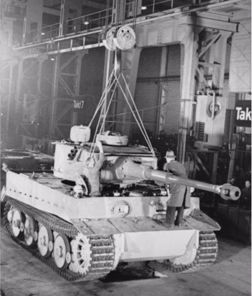 二战大名鼎鼎的虎式坦克,建造它是正确的选择还是巨大的错误?