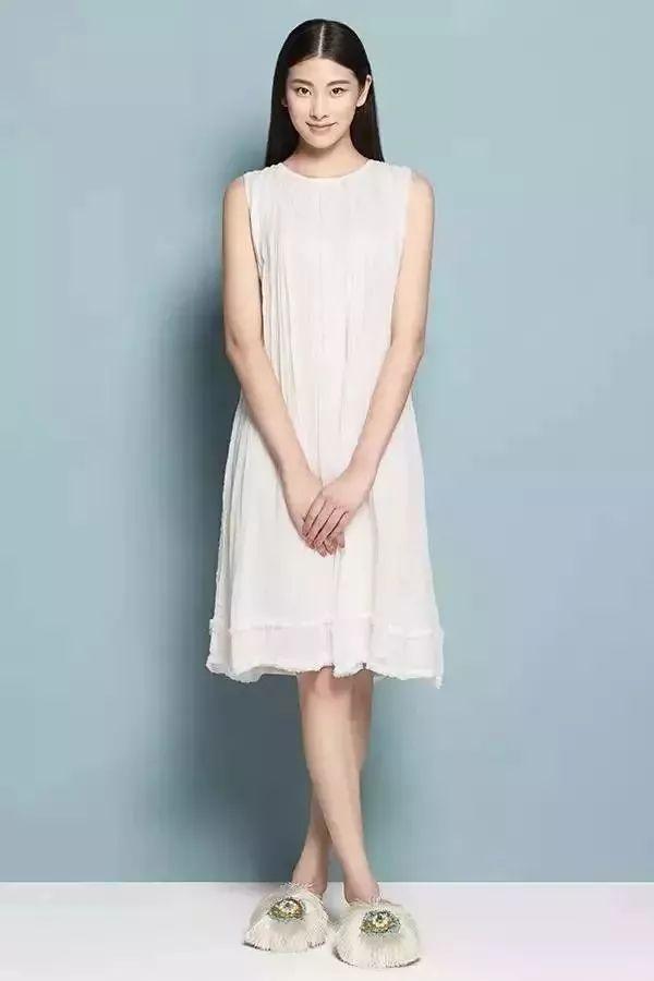 """曾荣获""""中国时尚大奖2012年度十佳职业时装模特""""称号,现在的职业是图片"""