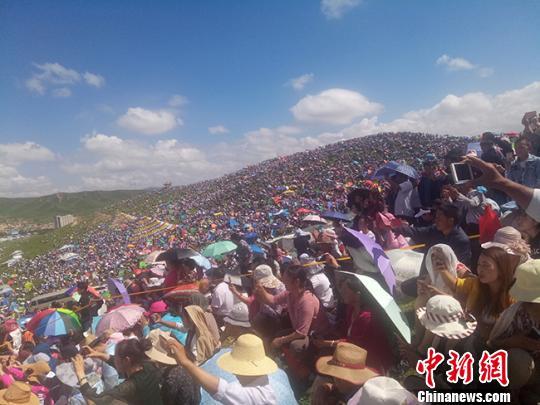 甘肃甘南办香巴拉旅游节 数万人共庆合作建市20周年