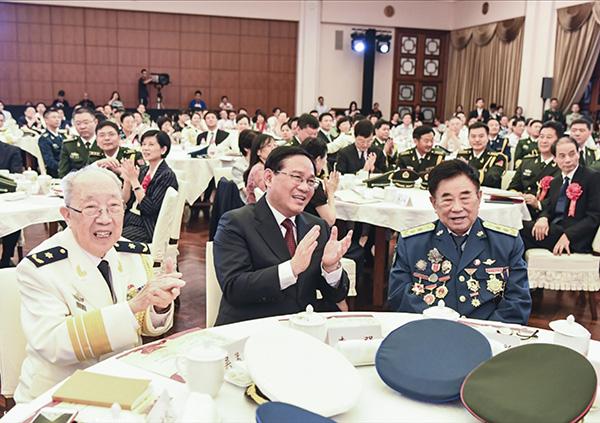上海举行庆祝建军91周年军民座谈会,李强点赞驻沪部队