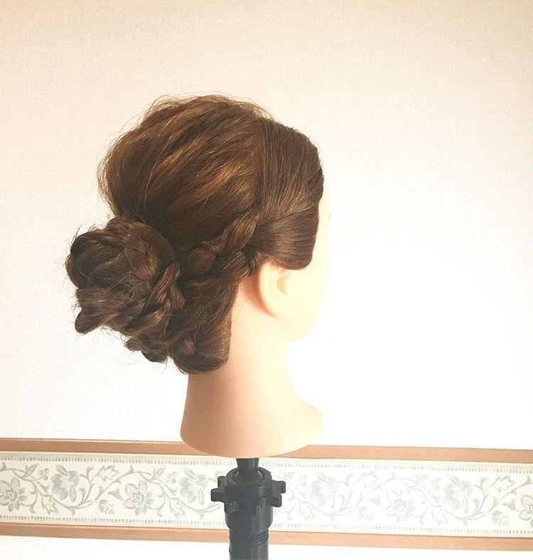 偷师发型师训练用的编发图,照这样编发,发型一定很美