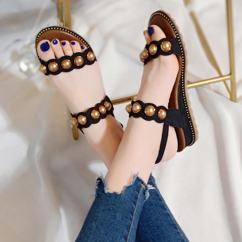 E乐彩彩票官网登录裙装加上平底的鞋子,E乐彩彩票注册,出门不会有任何累脚的感