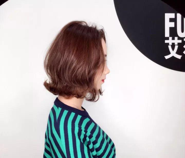 短发造型 超有范儿 !