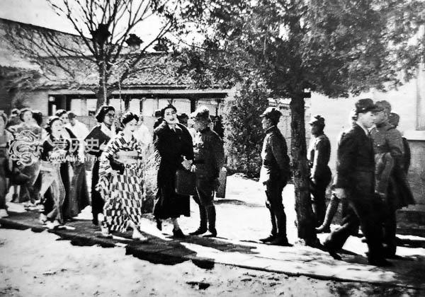 日本占领南京后侵略气焰达到顶点 明星兵分三