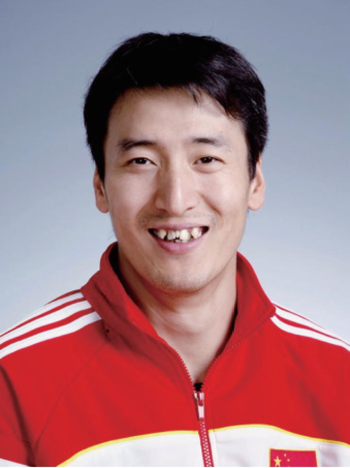 中国男排教练摇身一变成郎平接班人!首次带中国女排征战大赛