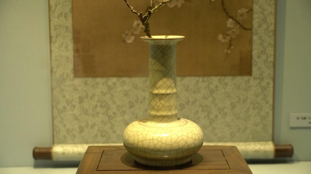 金丝铁线丨延禧宫领略哥窑天然之美