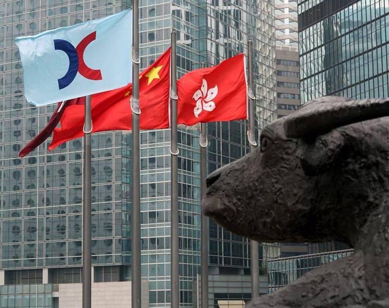 去香港,收割一个时代