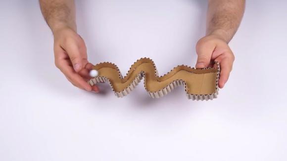 纸板diy:看手工达人用纸制作制作传送机,没有他不能做的!