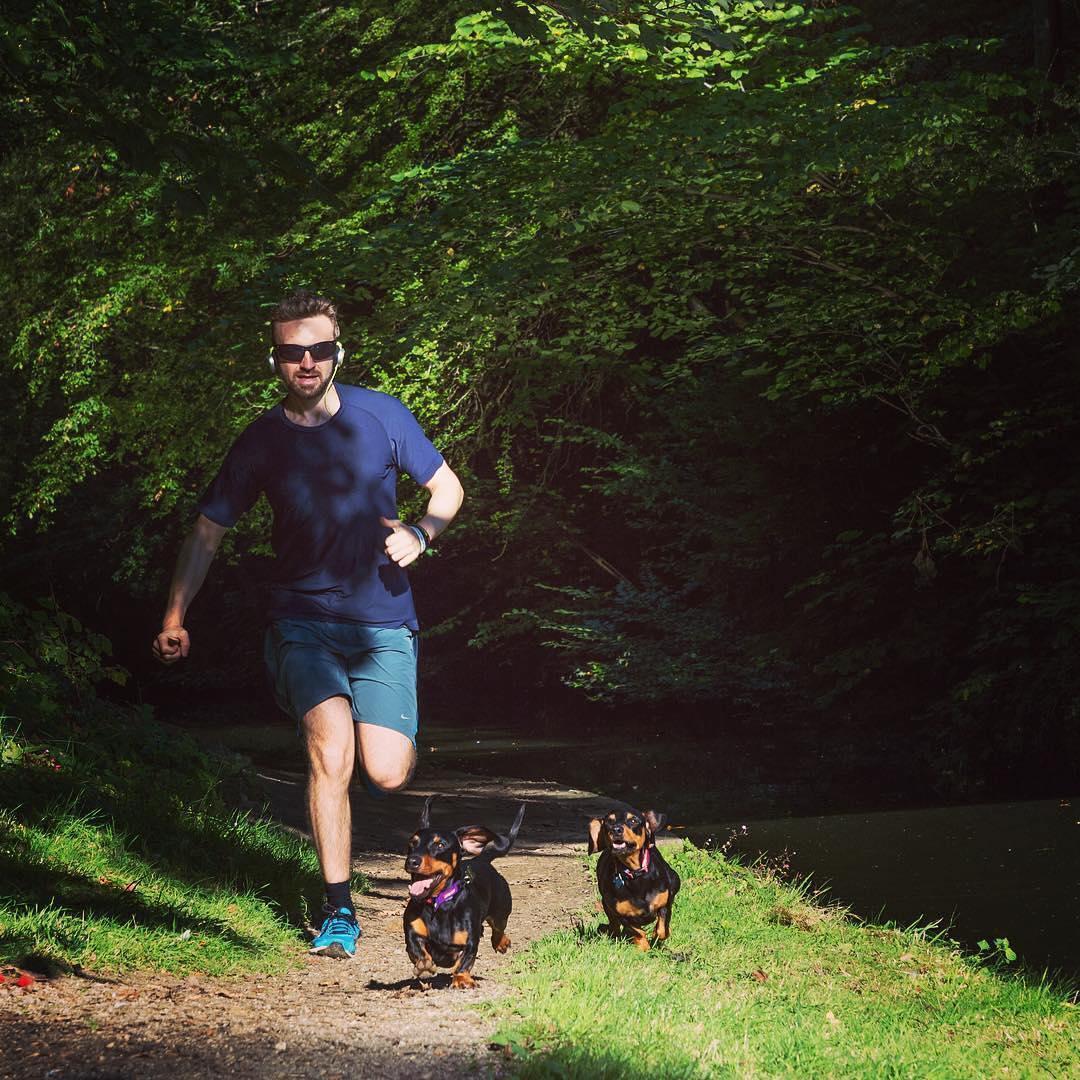 害怕跑步时小腿长肌肉?不要慌,这些方法帮你解