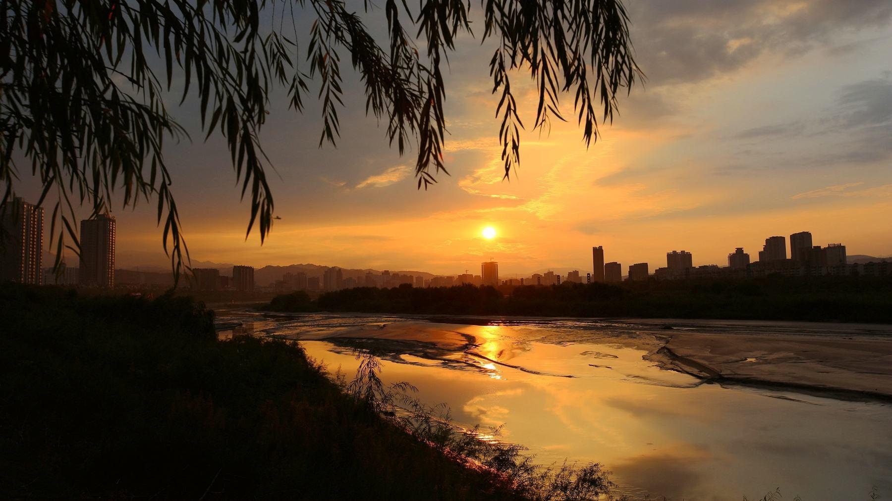 诸葛亮,一个三国顶级流量爱豆的成长史