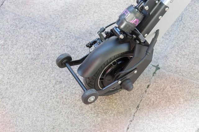 十秒折叠的刷街代步利器,卡西威尔折叠电动车体验