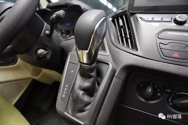 不想要手动挡房车?看看这辆福特新全顺自动挡房车 关键还不贵