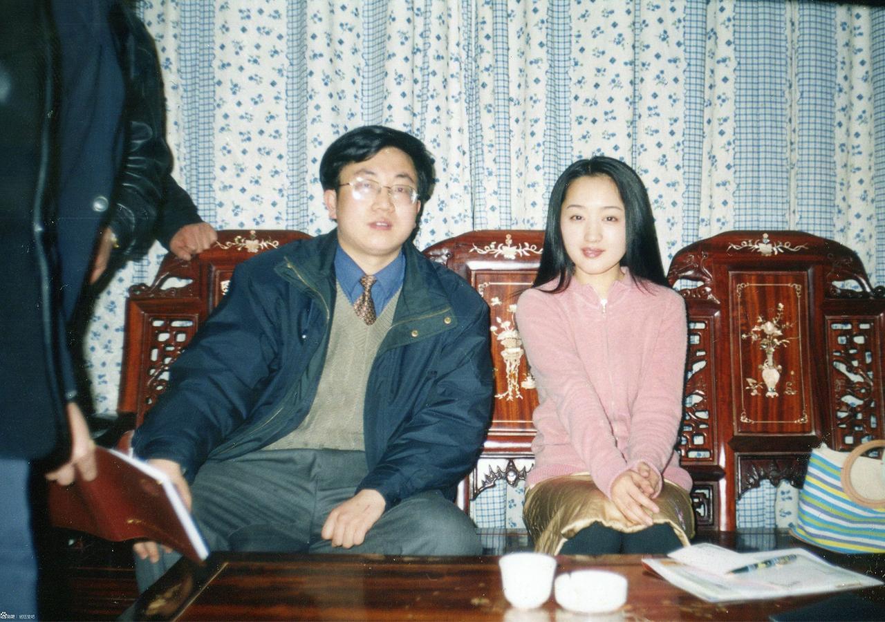 47岁杨钰莹18年前青涩旧照,气质温婉似仙女