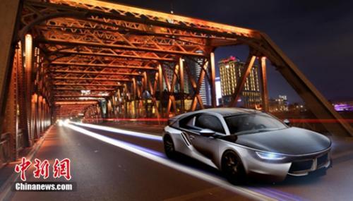 采用汉能薄膜太阳能技术的全太阳能动力汽车Sloar R