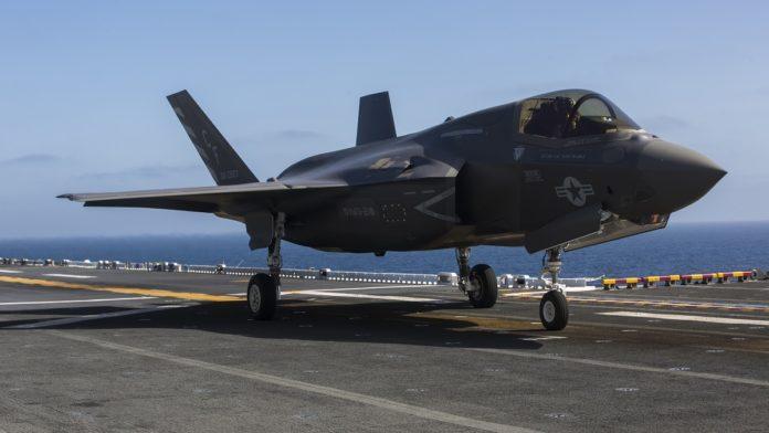 F-35飞行性能是破烂?她的定位就不是空优战机啊