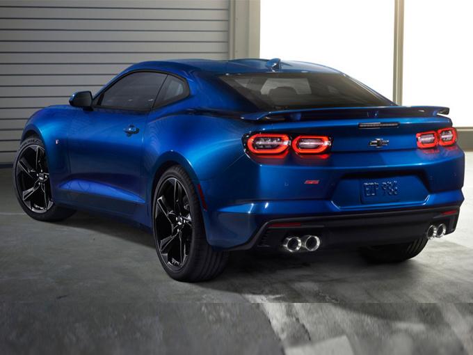 选福特野马还是它 雪佛兰全新科迈罗SS明年开卖-图4