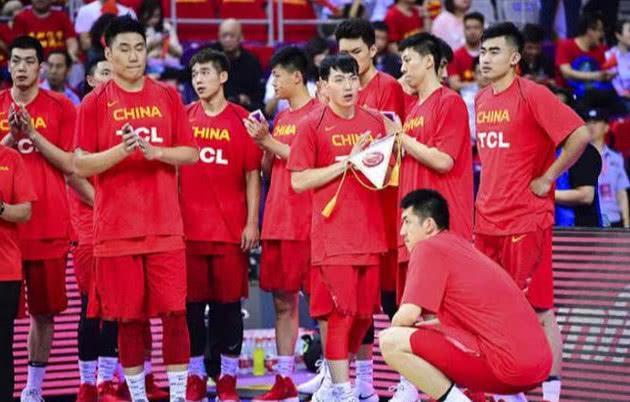 中国库里!11记三分砍55分 小将一战成名助男篮取胜