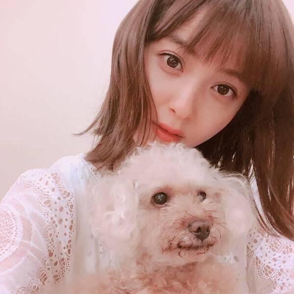 佐佐木希被选为日本素颜最美女明星?凑莉久