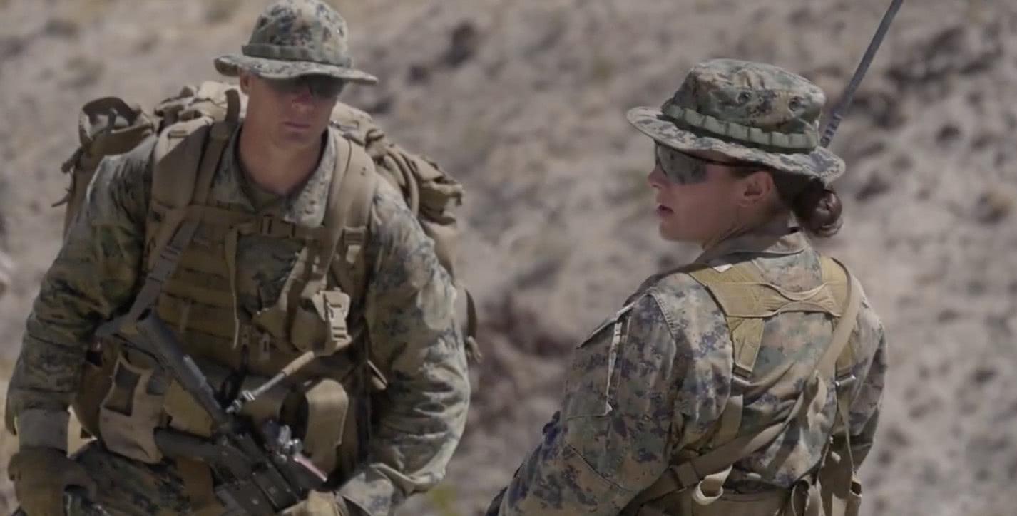 24岁美女领导35名大兵:243年美军陆战队有首位女排长!