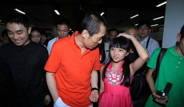 北京奥运开幕式最大谜团揭晓 张艺谋回应林妙可假唱