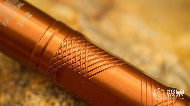 防身装备,还能有十足的可玩性-弘安保罗锋芒陀螺机械棍评测