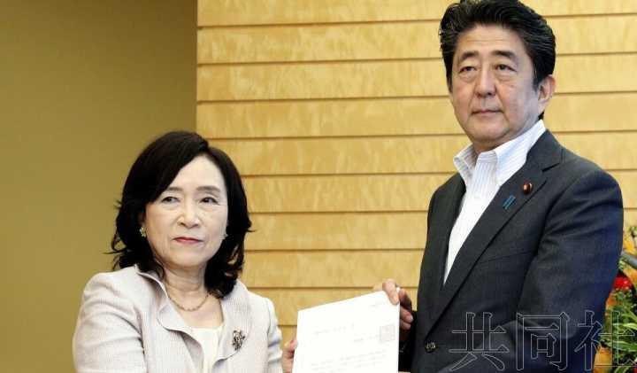 日本人事院建议分阶段把公务员退休年龄延至65岁