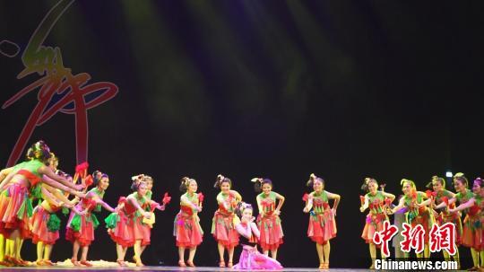 华北五省市(区)舞蹈大赛开赛 5000余人次参加