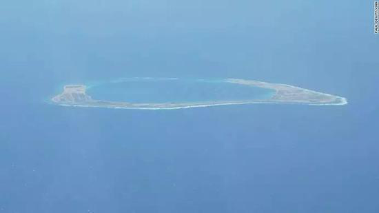 美军机擅闯南海 中方6次警告:再不走就动手